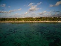 Flyg- sikt: Trou hjälpBiches strand Fotografering för Bildbyråer