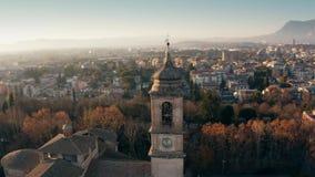 Flyg- skott av staden av den Terni domkyrkan och cityscape Umbria Italien arkivfilmer