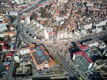 Flyg- skott av Targu Mures den gamla staden på dagsljus arkivfoton