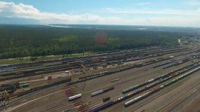 Flyg- skott fortskrider den järnväg föreningspunkten arkivfilmer