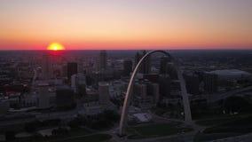 Flyg- solnedgång 2017 för Missouri St Louis July 4K stock video