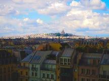 Flyg- stadssikt av den härliga Sacre-Coeur kyrkan Montmartre och panoramasikt av Paris Arkivfoton