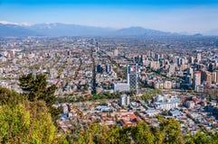 Flyg- stadssikt av Santiago av Chile royaltyfri fotografi