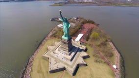 Flyg- staty av frihet stock video