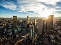 Flyg- surrfoto - stadshorisont av Denver Colorado på solnedgången Royaltyfri Foto