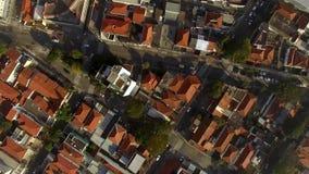 Flyg- surrlängd i fot räknat av bostads- hus i staden av Sao Paulo, Brasilien röda tak lager videofilmer
