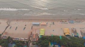 Flyg- surrsikt av den Arambol stranden p? Goa india arkivfilmer