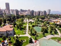 Flyg- surrsikt av Goztepe det 60th året Park som lokaliseras i Kadikoy, Istanbul Arkivfoton
