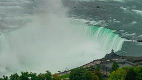 Flyg- timelapse av tabellen vaggar den välkomna mitten av det härliga Niagaraet Falls stock video