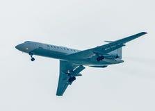 Flyg Tu-134 av det Utair företaget Arkivbilder