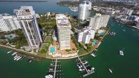 Flyg- video av Belle Isle Miami Beach Florida 4k lager videofilmer