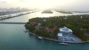 Flyg- video av stjärnaön Miami Beach arkivfilmer
