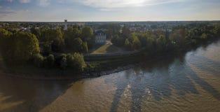 Flyg- wievBordeaux region, garonne flod, skog, landskap royaltyfri bild