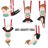 Flyg- yoga Aero yoga Anti--gravitation yoga Arkivbilder