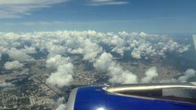 Flyga över karibiskt lopp för paradislandskapsommar arkivfilmer
