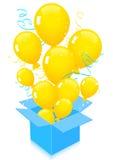 flyga för ballonger som ut isoleras Royaltyfria Foton