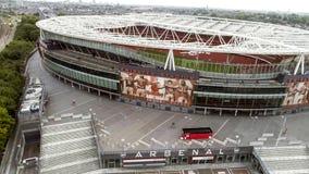 Flyga iväg Iconic arsenalEmirates Stadium för flyg- sikt i London Arkivfoton