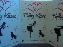 Flyga kyssar på SLAPPT Royaltyfri Bild