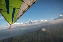 Flyga längs Annapurnaen, Nepal Royaltyfri Fotografi