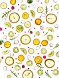 Flyga nya gräsplaner och frukter, gurka, rucola, gurka, citron, brussel - groddar, persilja, Royaltyfri Bild