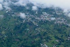 Flyga till San Jose, Costa Rica arkivfoton