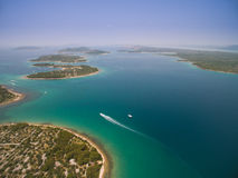 Flygbild av Adriatiska havet, Kroatien royaltyfri fotografi