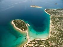 Flygbild av Adriatiska havet, Kroatien Arkivbilder