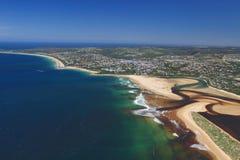 Flygbild av den Plettenberg fjärden i Sydafrika Fotografering för Bildbyråer