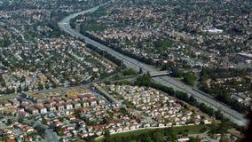 Flygbild av den upptagna huvudvägen Royaltyfri Foto