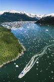 Flygbild av det Alaska kryssningskeppet Arkivbild