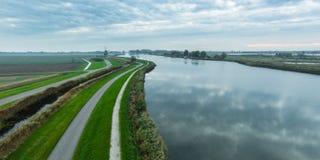 Flygbild av det holländska polderlandskapet Arkivfoto