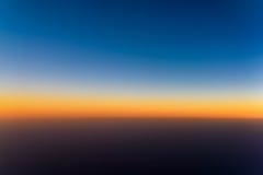 Flygbild av havsolnedgången Royaltyfri Foto