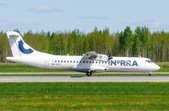 Flygbolag för ATR 72 Norra, flygplats Pulkovo, Ryssland St Petersburg Maj 2017 Arkivbild