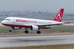 Flygbolag för TC-ABL AtlasGlobal, flygbuss A320-214 Arkivfoton