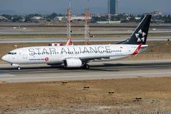 Flygbolag för TC-JFH Turkish Airlines, Boeing 737-8F2 namngav IGDIR Royaltyfria Foton