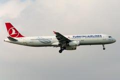 Flygbuss A321-231 BEYOGLU för TC-JRY Turkish Airlines Fotografering för Bildbyråer