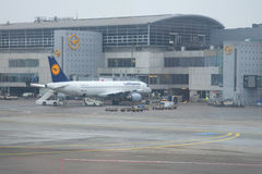 Flygbuss A320-214 D-AIZD av Lufthansa på flygplatsen i Frankfurt Royaltyfri Fotografi