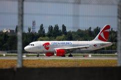Flygbuss A319 för CSA Czech Airlines Arkivfoto