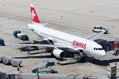 Flygbuss A320-214 för HB--IJSschweizareInt flygbolag Arkivfoton