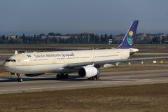 Flygbuss A330 för HZ-AQD Saudi Arabian Airlines Arkivfoton