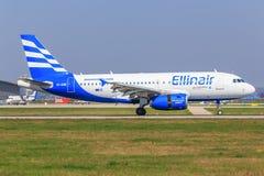 Flygbuss A320 från Ellinair Royaltyfri Fotografi