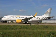 Flygbuss A320 från Vueling Royaltyfri Fotografi