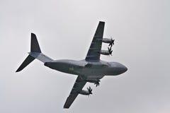 Flygbussen A400M på airshow Royaltyfria Bilder