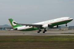 Flygbussen A330 tar av Royaltyfri Foto
