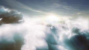 Flyget över moln med sol` s rays animering 3D lager videofilmer
