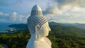 flygfotografering den vita stora Phuket's stora Buddha i Arkivbilder