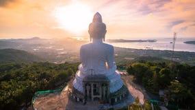 flygfotografering den vita stora Phuket's stora Buddha i Arkivbild