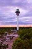 Flygkontrolltorn i flygplats på Kuala Lumpur & x28; Malaysia& x29; royaltyfri bild