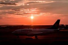 flygplan av klart tar till Royaltyfri Bild