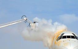 flygplan de isläggning Royaltyfria Bilder